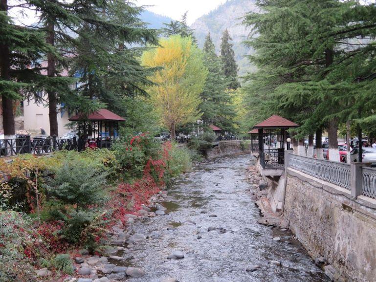 مدينة بورجومي جورجيا وما هي اهم الاماكن السياحية والمياه الجوفية الخاصة بها